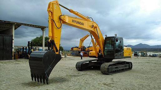 Escavadeira Hyunda 140LC Locação