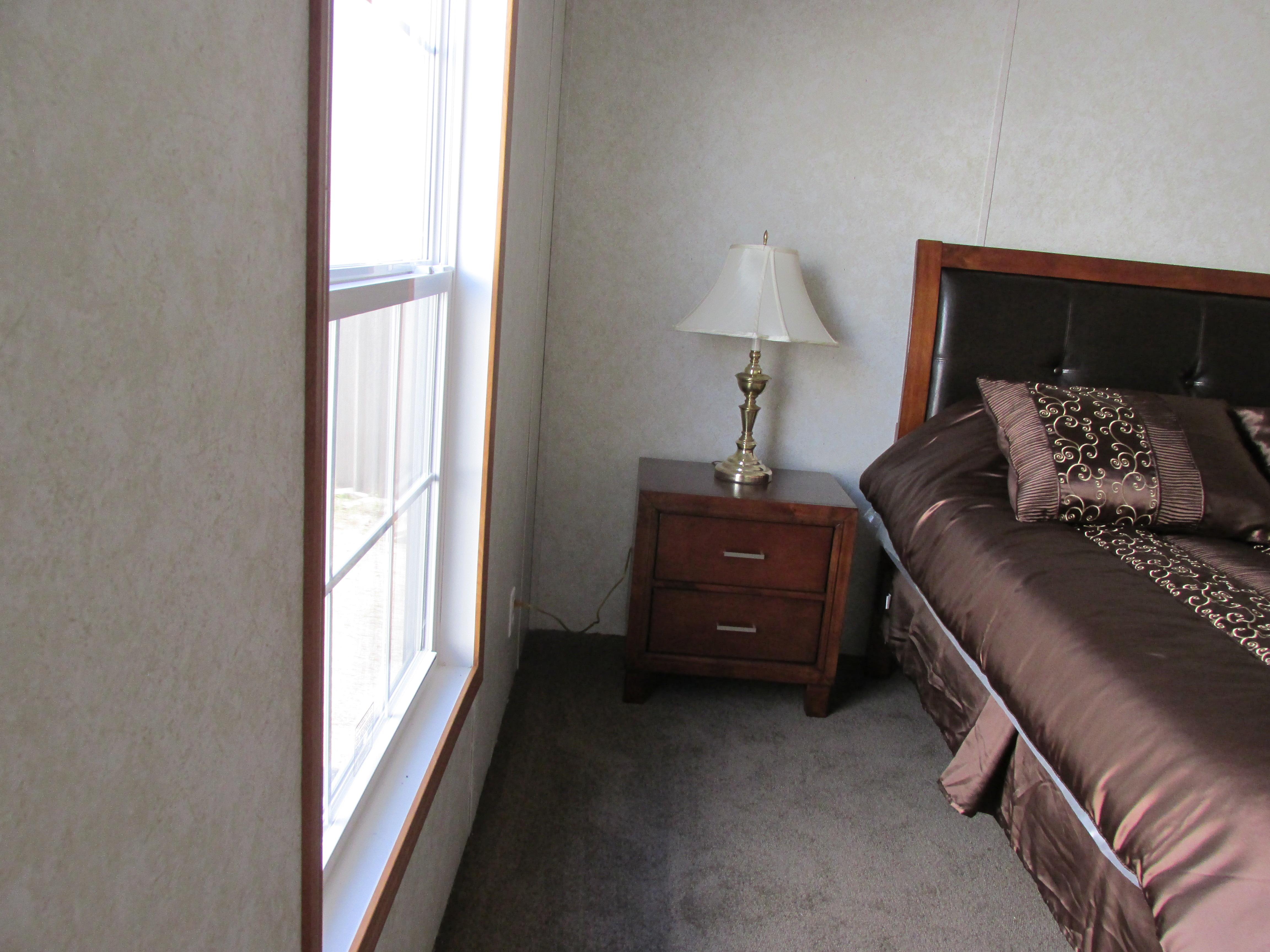 400 Bedroom#2-5.JPG
