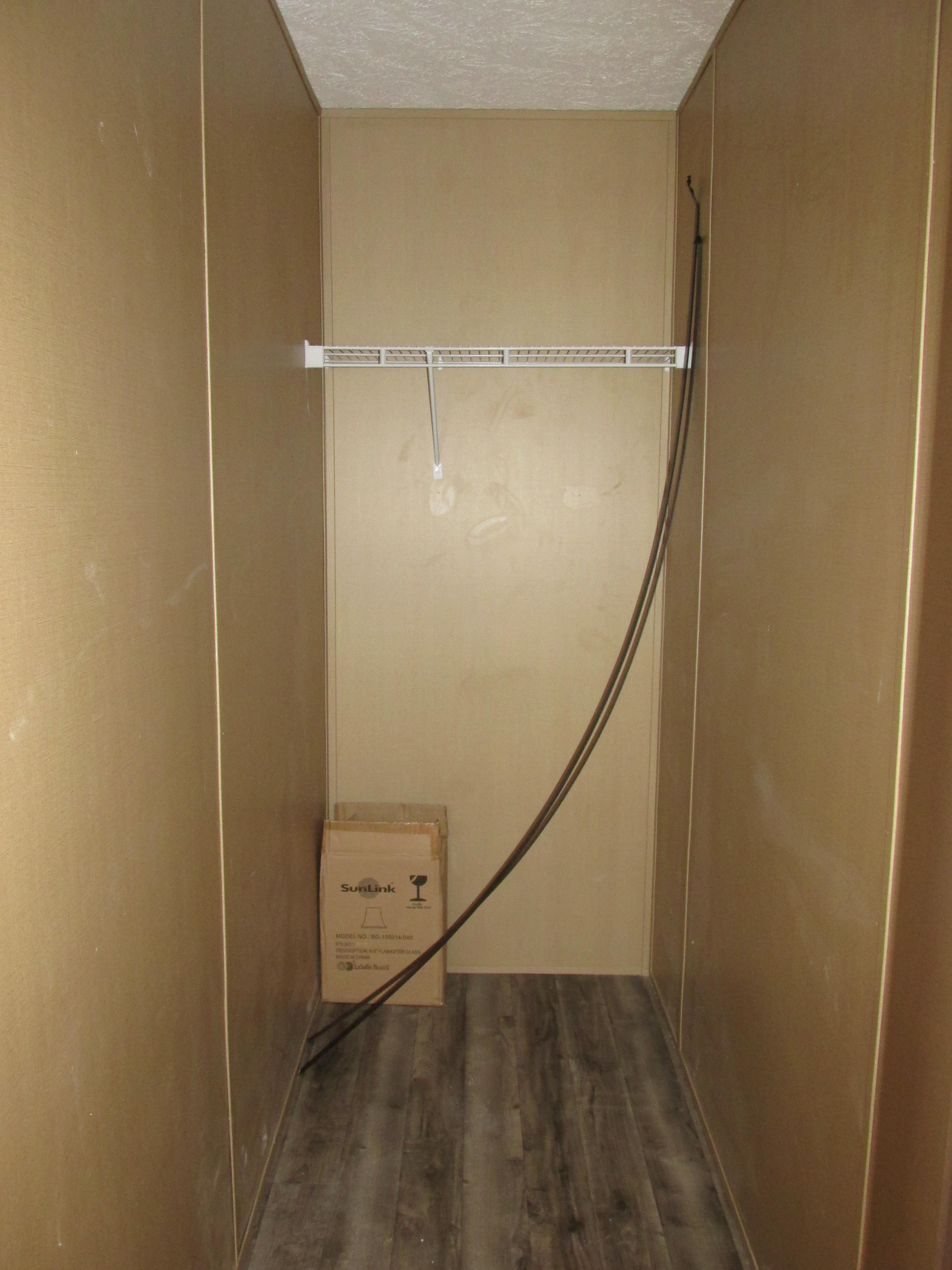 396 Master Closet.JPG