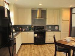 387 Kitchen 3.JPG