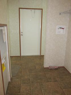 400 Utility Room.JPG