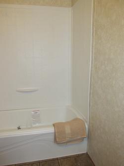 400 Bath#2-2.JPG