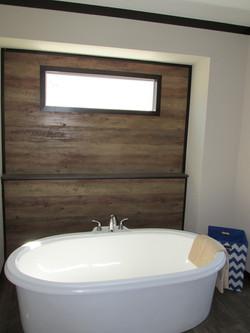 437 Master Bathroom.JPG