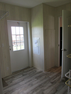 387 Utility Room.JPG
