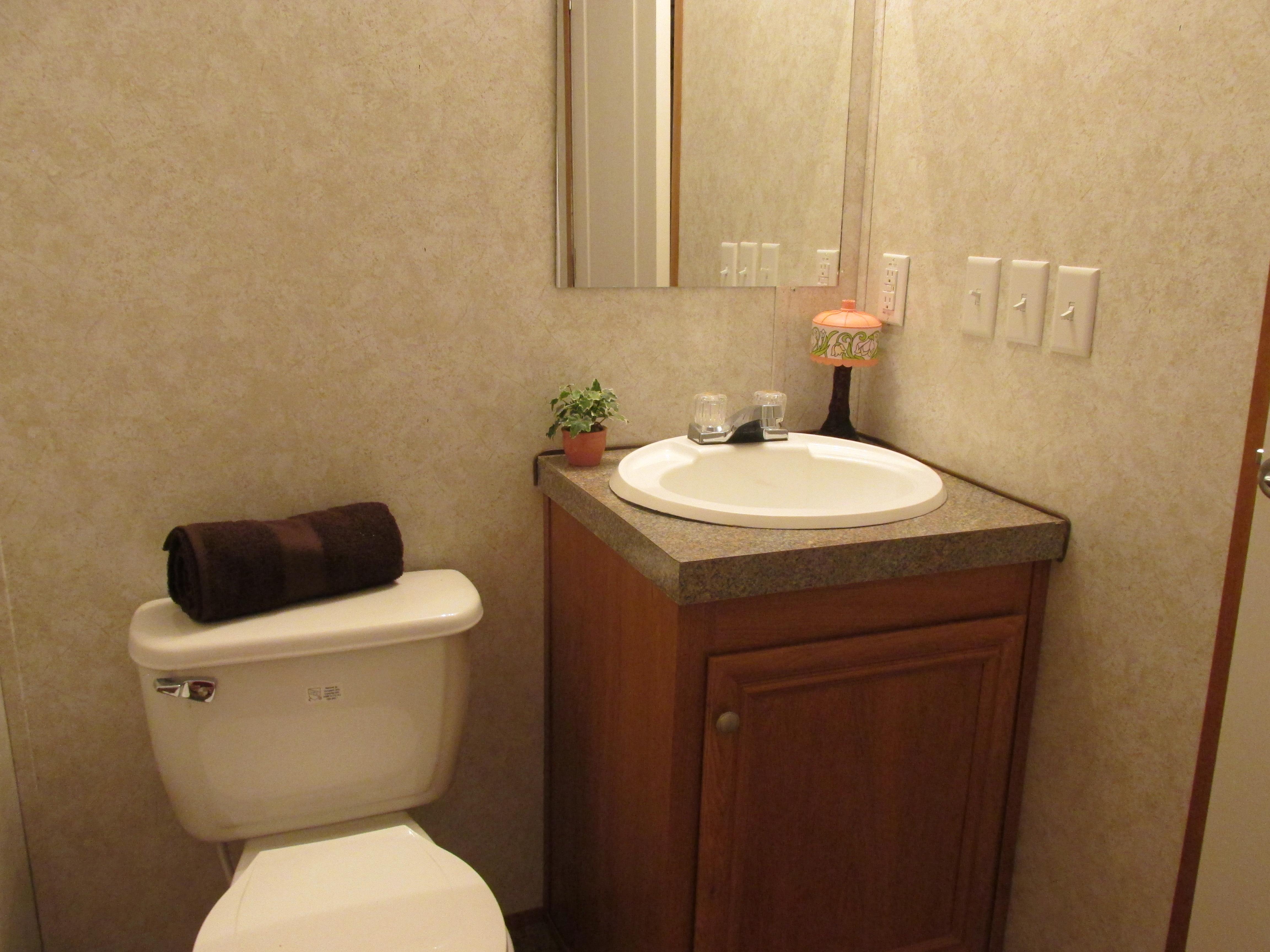 400 Bath#2-4.JPG