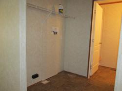 400 Utility Room-Bath#2.JPG