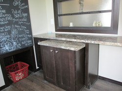 437 Utility Room with movable Island