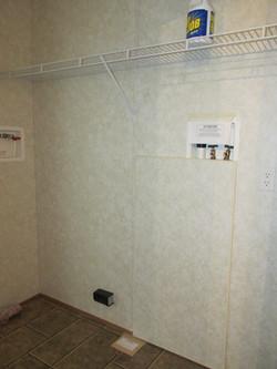 400 Utility Room2.JPG