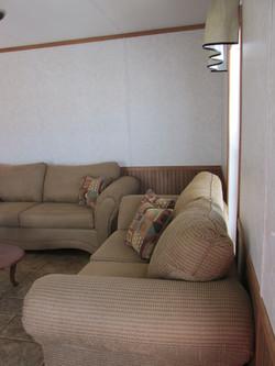 400 Living Room.JPG