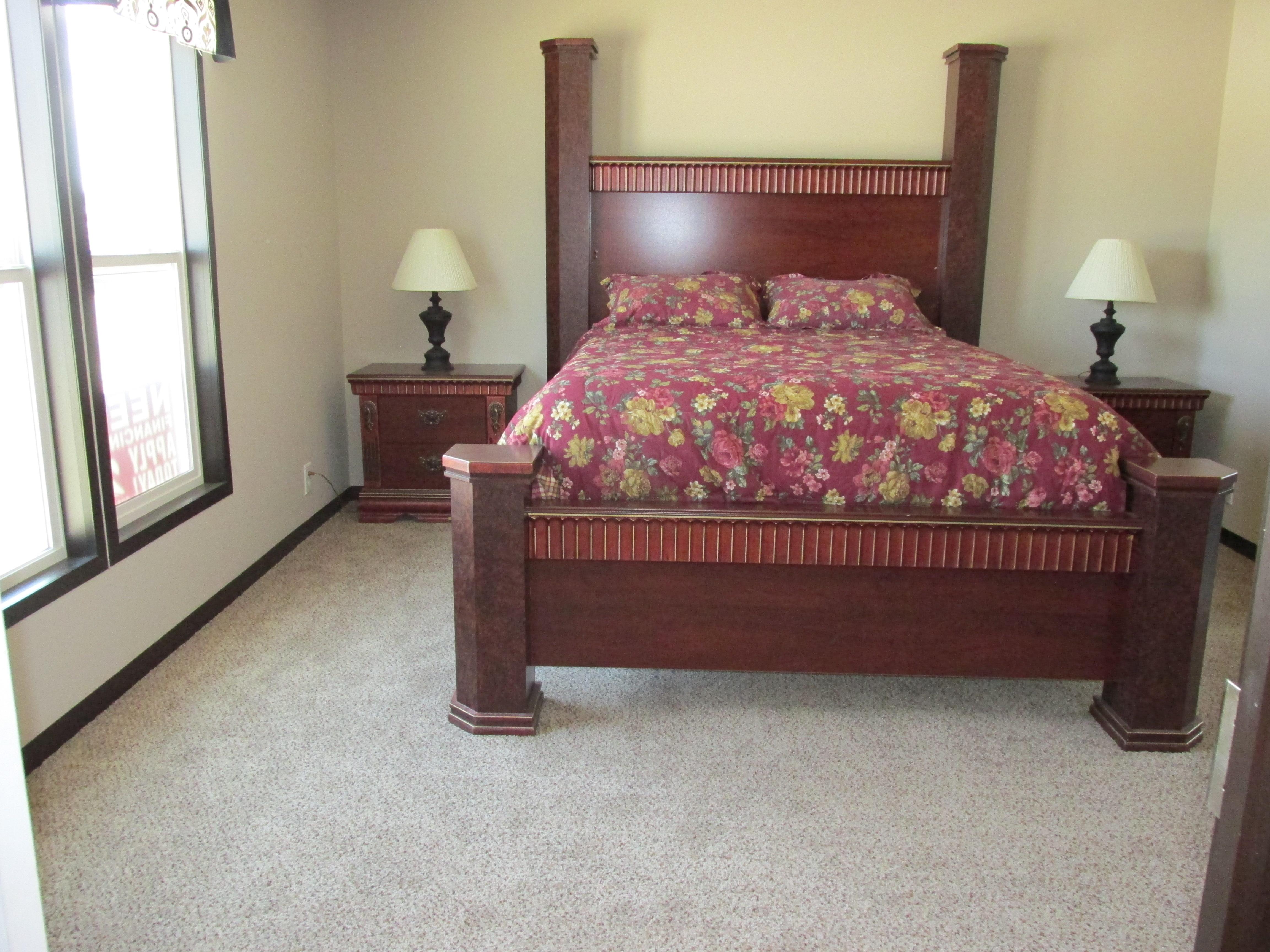 437 Master Bedroom.JPG