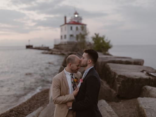 Elope in Cleveland, Ohio | A Lake Erie Elopement Story