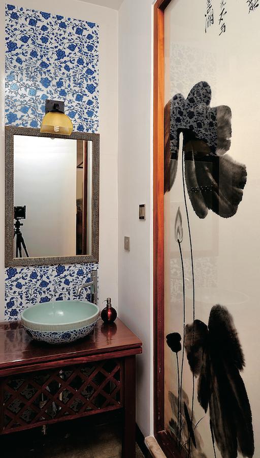 стеклянная перегородка в ваннуюс принтом