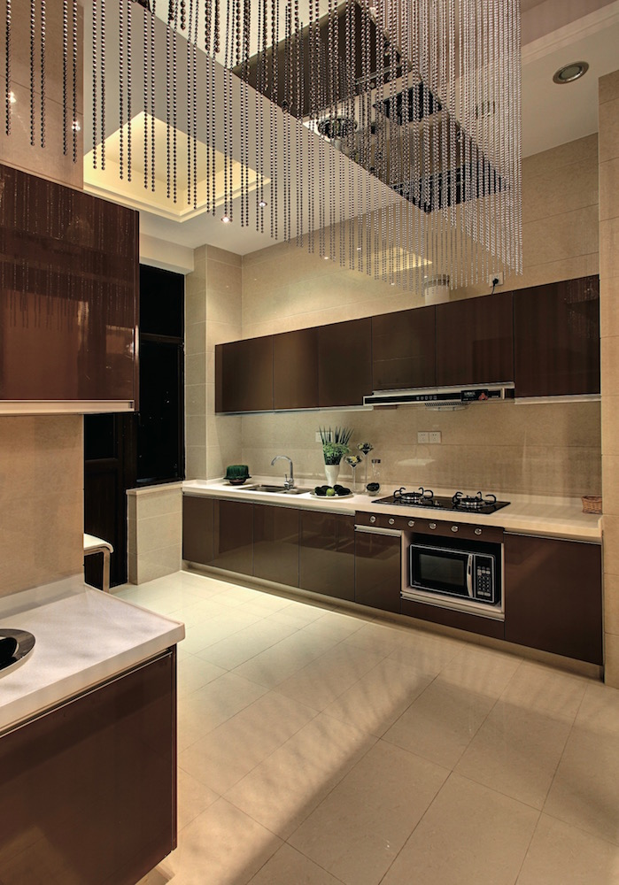 кухня с глянцевым фасадом цвет папайя