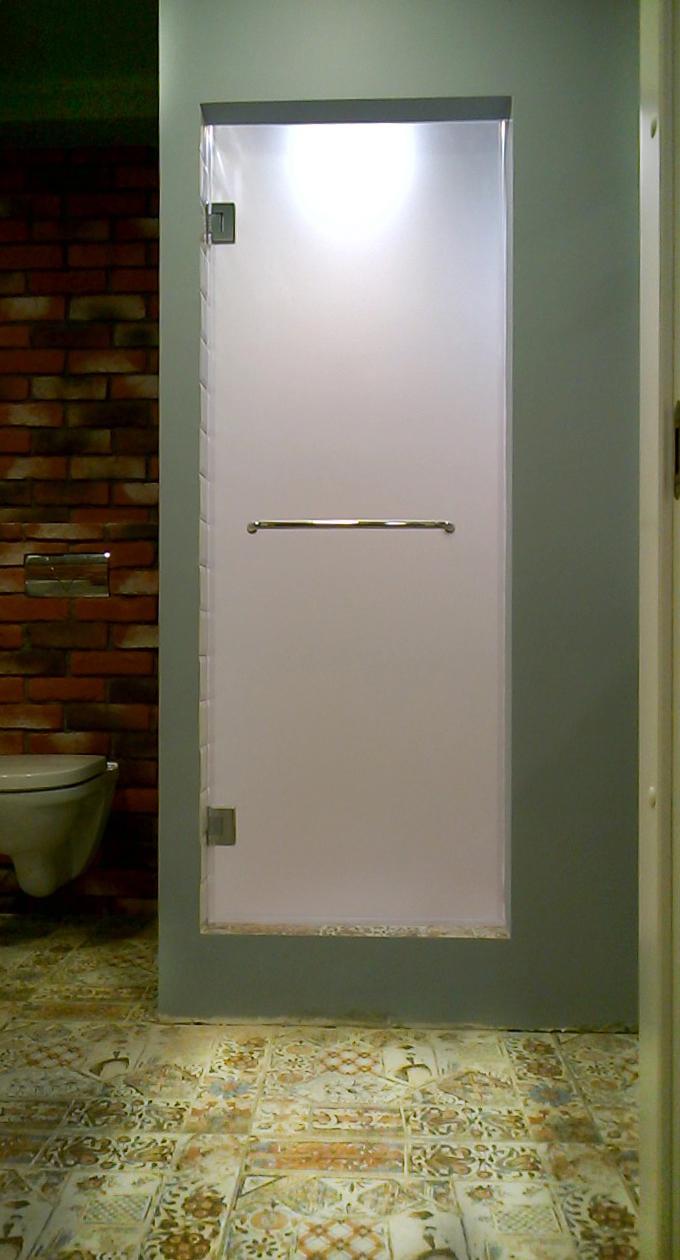 дверь в душевую из стекла сатинато осветленное