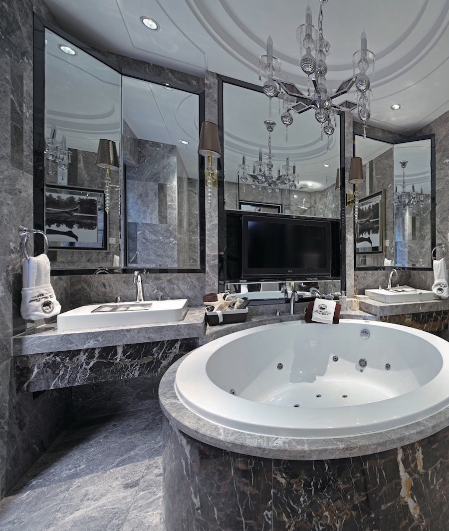Влагостойкие зеркала для ванной