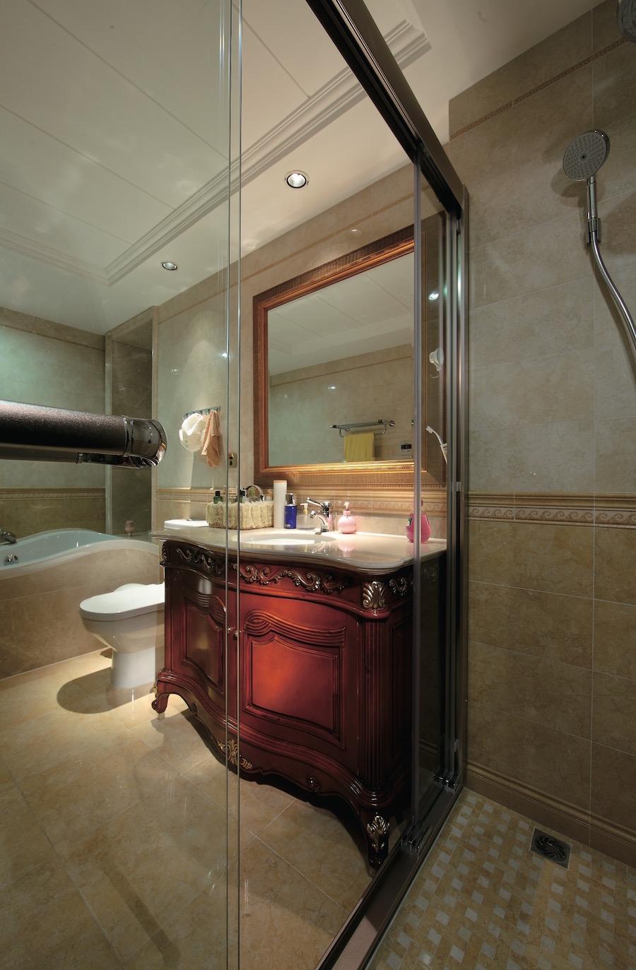 Раздвижная перегородка ванной
