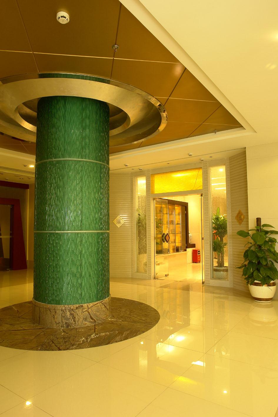 колонна из архитектурного стекла
