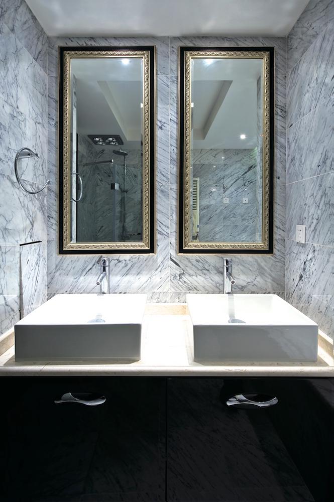 зеркала в багетес лиственным орнаментом