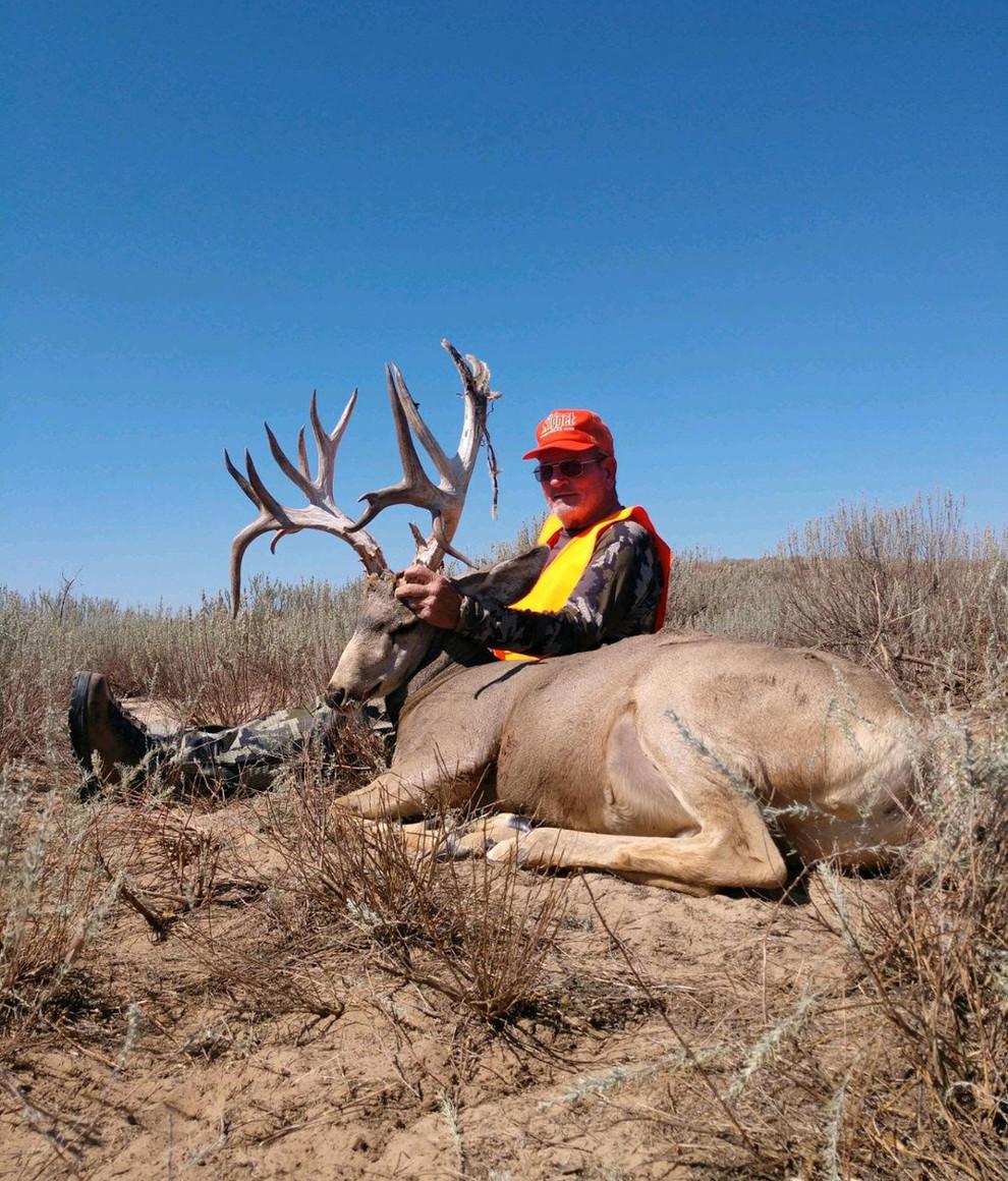 The Original Kansas Trophy Whitetails Monster Buck2.jpg