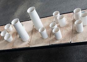 Porzellan-Sets mit Oberflächendecor