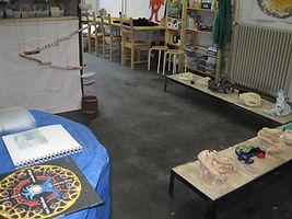 Ausstellung zum Thema Kugelbahnen mit Werken aus den verschiedenen Kursen im Atelier tonundfarb