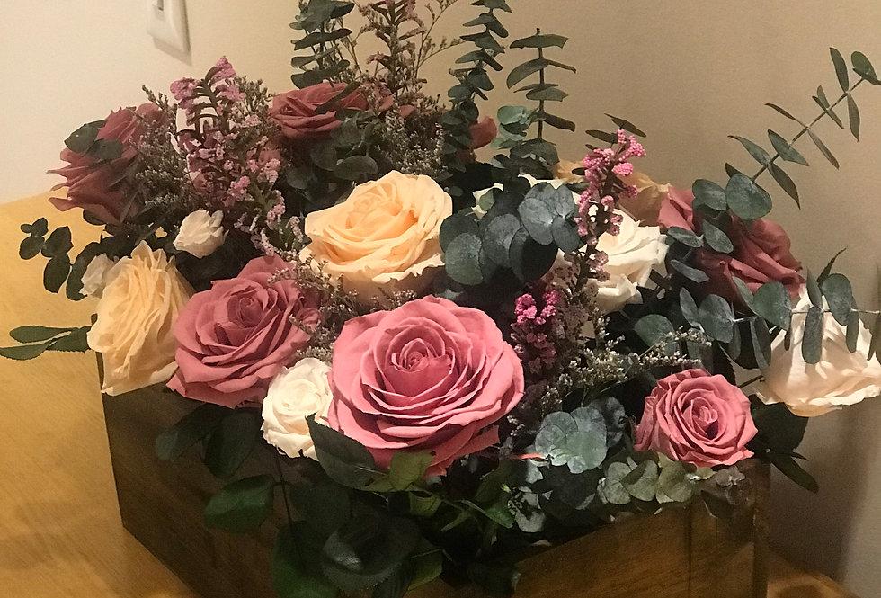 Baul grande con Flores y Eucalipto