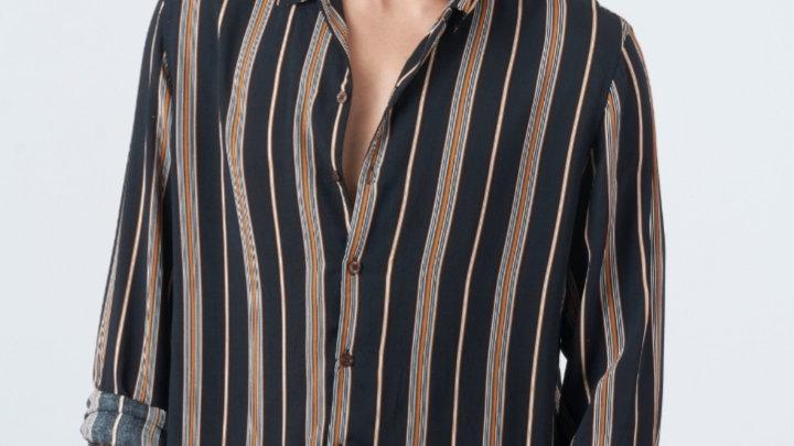 Camisa Modelo: LINEAS MOSTAZA CON CAFÉ