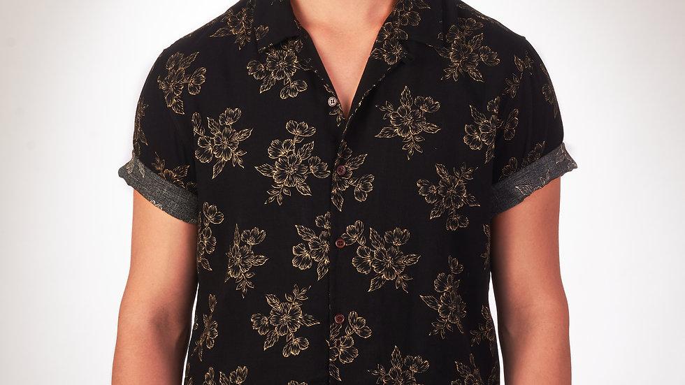 Camisa Modelo: Negra con Flores Marrones