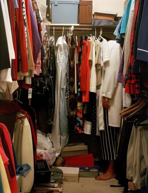 Closet 001.jpg