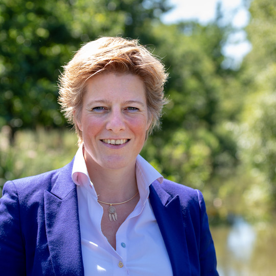 Dr. Claudia Rijcken