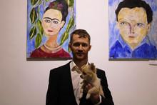 Открылась выставка Дмитрия Бывальцева «Художник и муза»