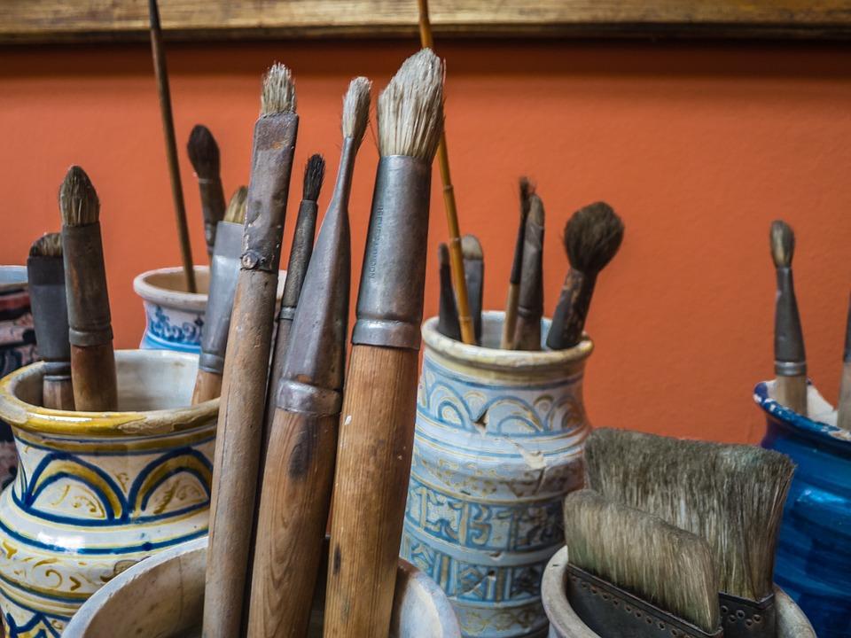 brushes-387545_960_720