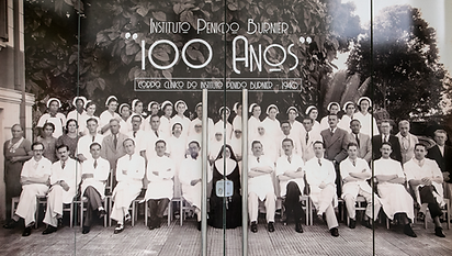 100 ANOS.png