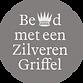 bekroond_zilveren_griffel_rond_op_donker