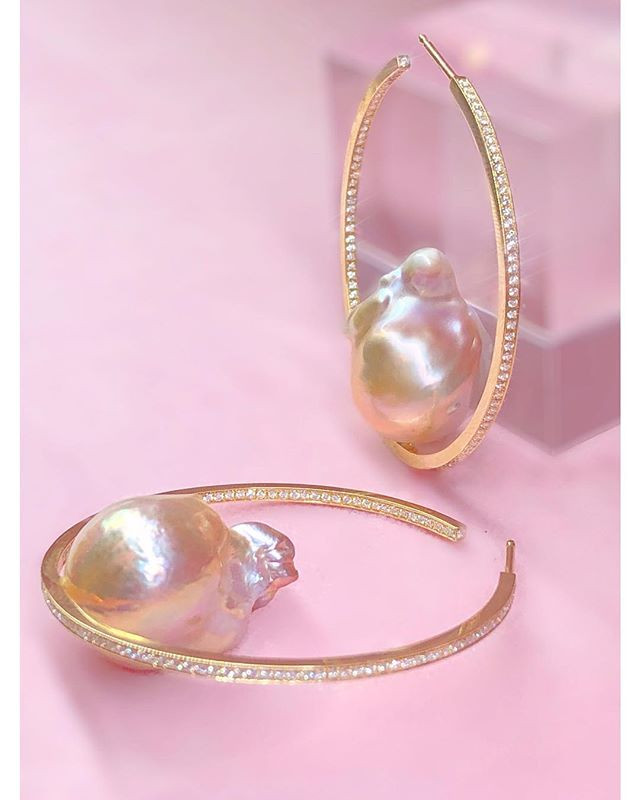 Let me introduce the 'Starry Pearl Hoop'