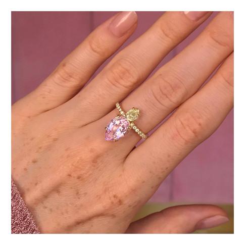 MORGANITE AND YELLOW DIAMONDS