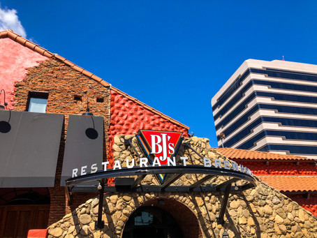 Brunching with Bloggers at BJ's Woodland Hills