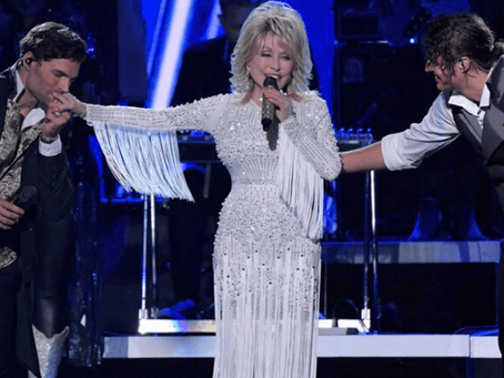 FOR KING & COUNTRY & ZACH WILLIAMS PERFORM WITH DOLLY PARTON ON CMA AWARDS