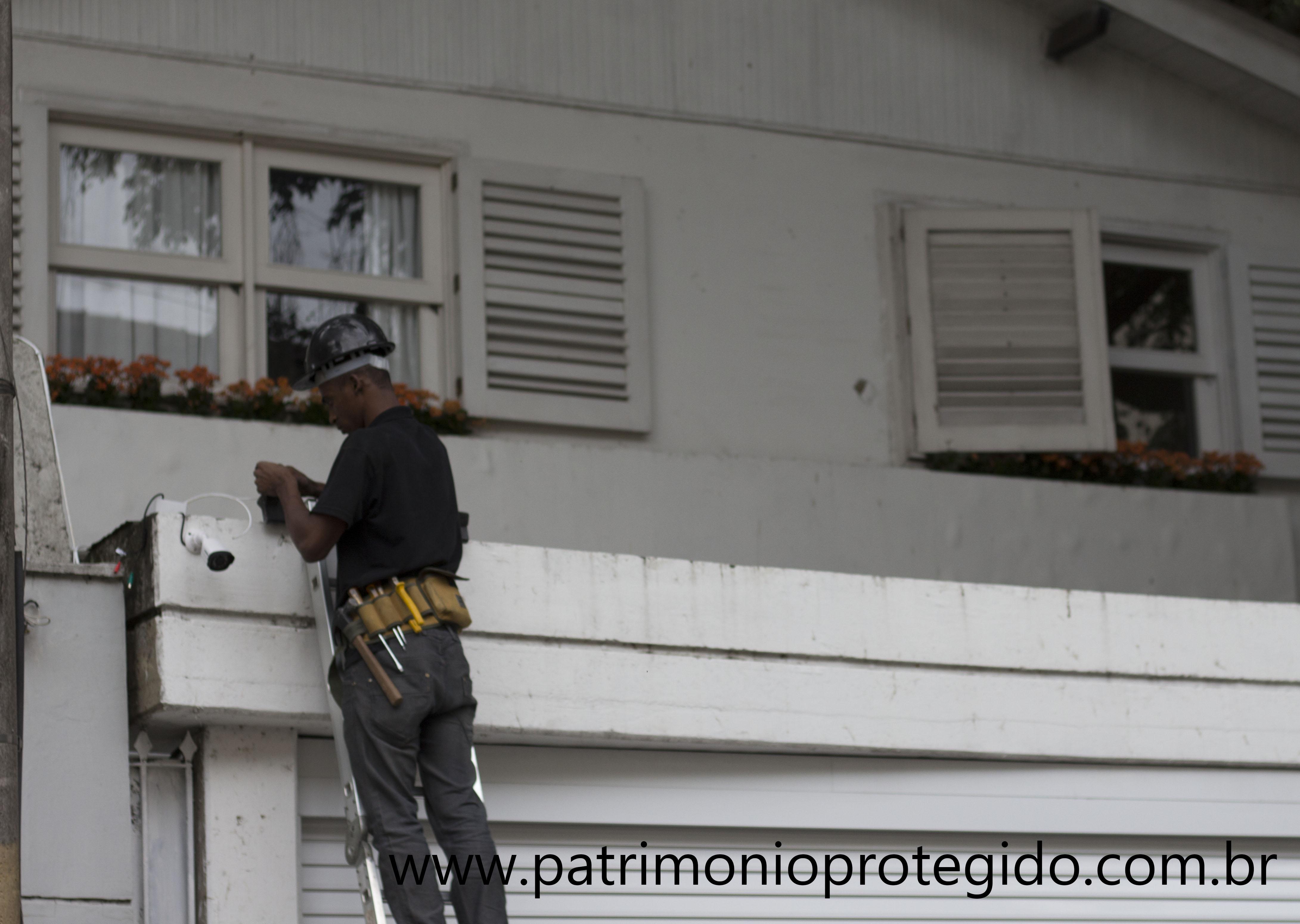 Instalação de Câmeras de Segurança L
