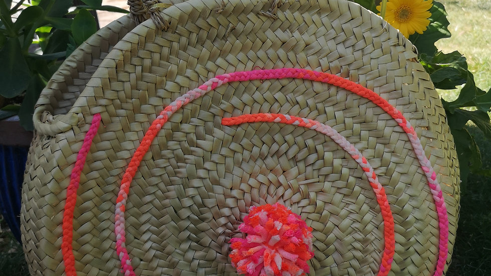 Sac rond FLUO en osier avec pompon assorti