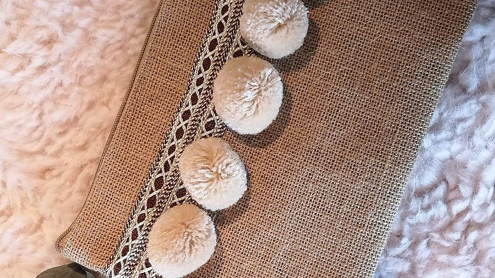 Pochette en toile de jute et pompons en laine BEIGE