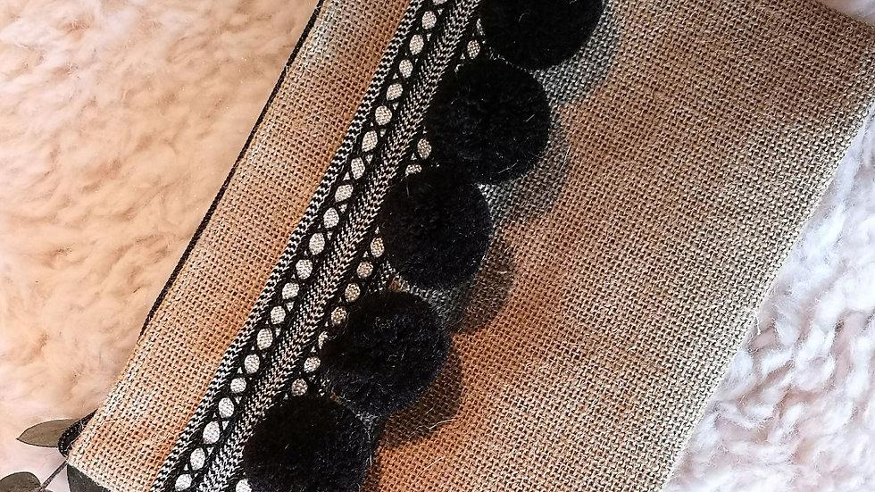 Pochette en toile de jute et pompons en laine NOIRE