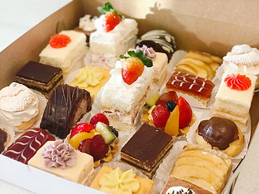 mini%20pastries%20box%20new_edited.jpg