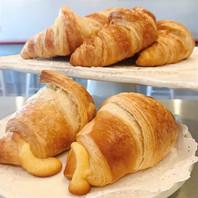 Butter Croissant & Almond Croissant