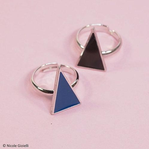 Anello triangolo