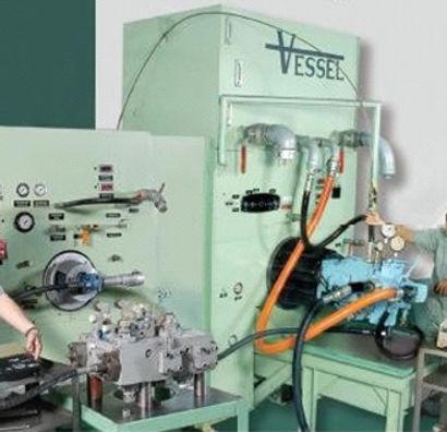 Oficina da Vessel mostrando seus equipamentos