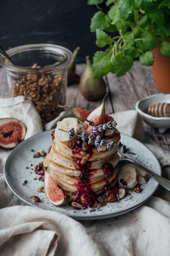 vegan breakfast, vegan pancakes, vegan recipe