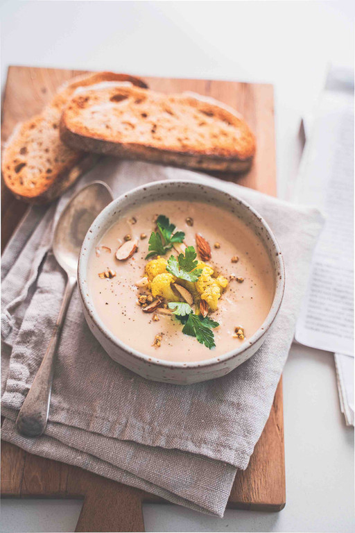 Oven-Roasted Creamy Cauliflower Soup