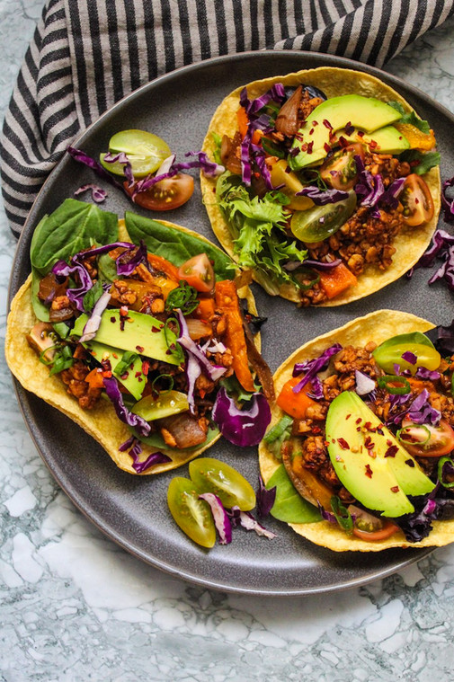 Chipotle Garlic Tempeh Tacos