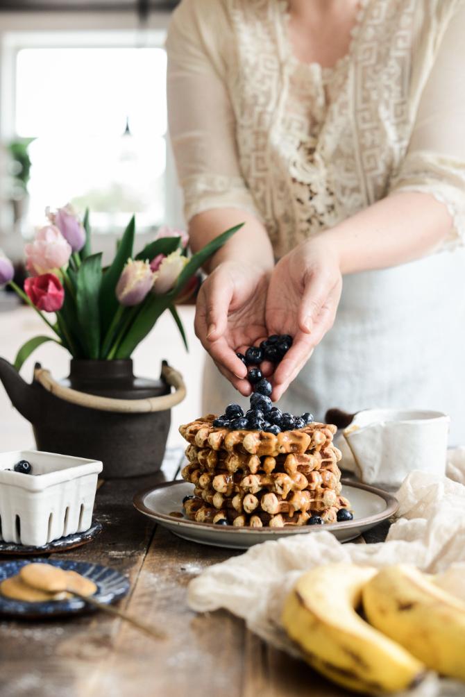 vegan waffles, vegan breakfast, waffles, ewaffle recipe